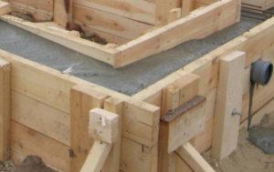 фундамент заливка бетоном