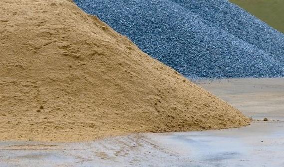 песок и щебень